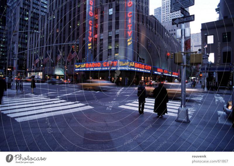 Radio City Hall - NYC New York City Hochhaus Taxi radio city hall straßße USA