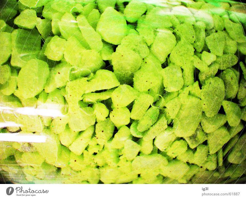 hörst du die stimmen? grün Farbe dunkel schwarz Hintergrundbild Tod Stein Lampe glänzend liegen mehrere Glas Spitze rund viele chaotisch