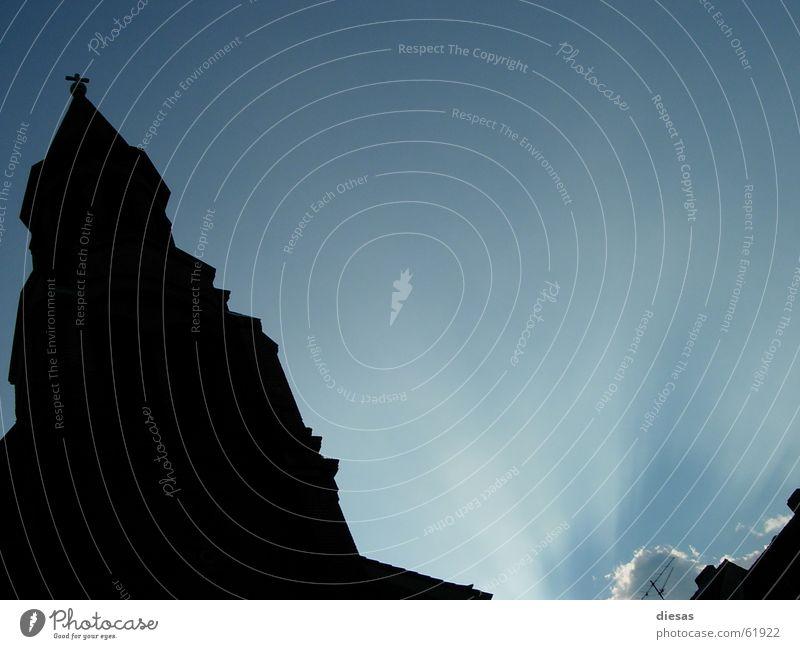 Erleuchtung Sonnenstrahlen Wolken Kirchturm Licht Christentum Religion & Glaube Katholizismus Himmel Rücken Turm blau Architektur