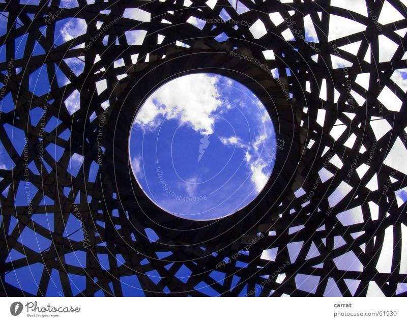 Ozon-Loch weiß schwarz Gitter Skulptur München graphisch Globus global Verbindung Himmel blau Metall Kreis Grafik u. Illustration Kugel Netzwerk wordlwide