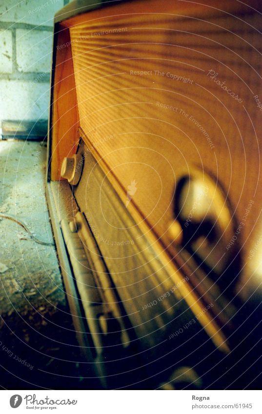 MegaHz Nostalgie Schalter Lautsprecher Sechziger Jahre dreckig Stoff Reihe Zufriedenheit Licht Holz Radio volksempfänger ammatur ammaturen spähne Kontrabass