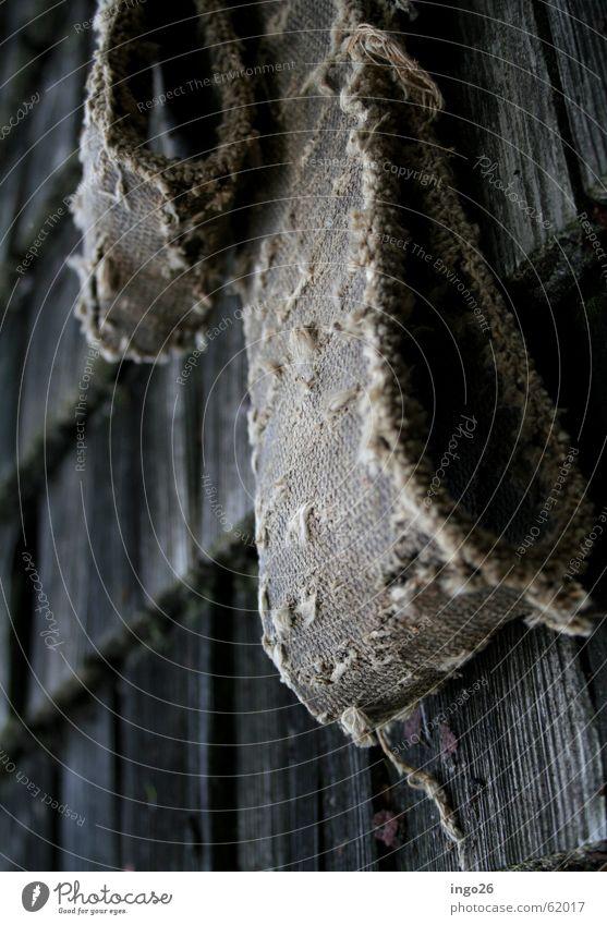 Sägeriemen alt Wand Holz kaputt Nostalgie gebraucht Dachziegel