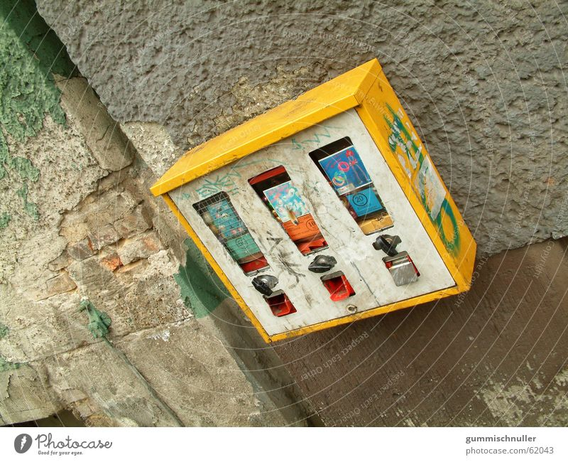 Kaugummiautomat Wand Fassade Außenaufnahme street-material