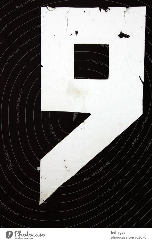 9 alt weiß schwarz Ecke kaputt Ziffern & Zahlen Quadrat eckig in der Ecke