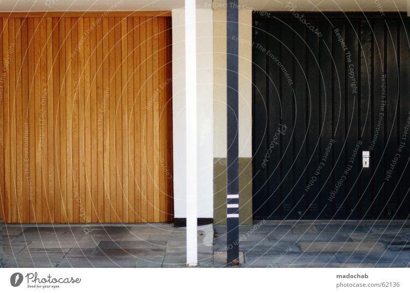 NACHBARN Garage Haus Gebäude Wohnung einrichten Raum Nachbar Bildsprache Langeweile eigenwillig schön einzigartig Vorstadt Mensch Mehrfamilienhaus ruhig fertig