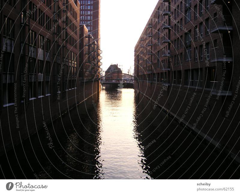 Hamburg Speicherstadt Wasser Hafen Hamburger Hafen Hafencity Wasserspiegelung Alte Speicherstadt
