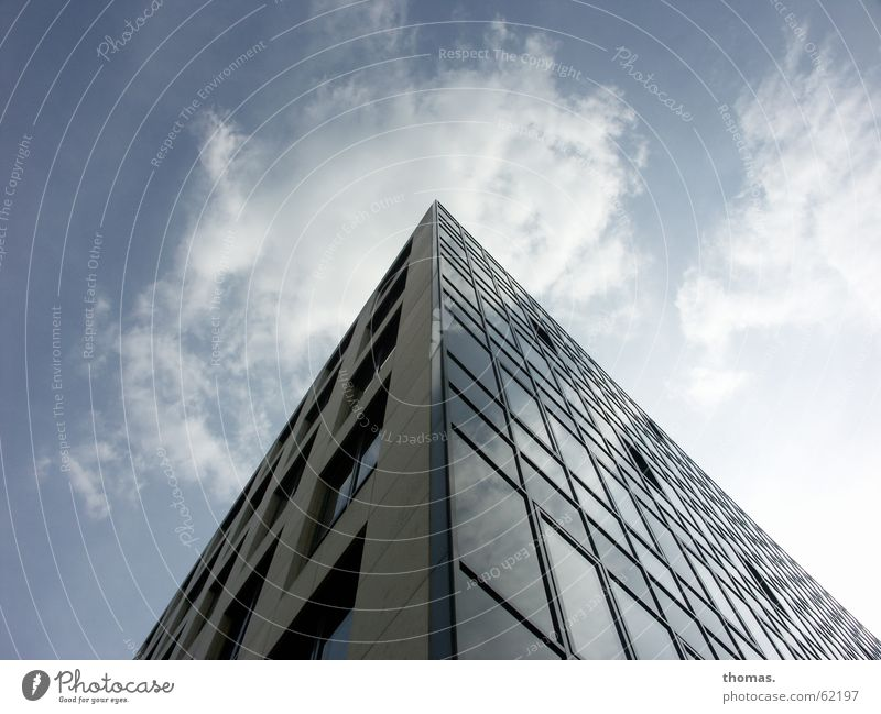 Was ist denn da oben (1) Himmel Haus Wolken Fenster Hochhaus einfach Köln Prima Unsinn simpel zuletzt