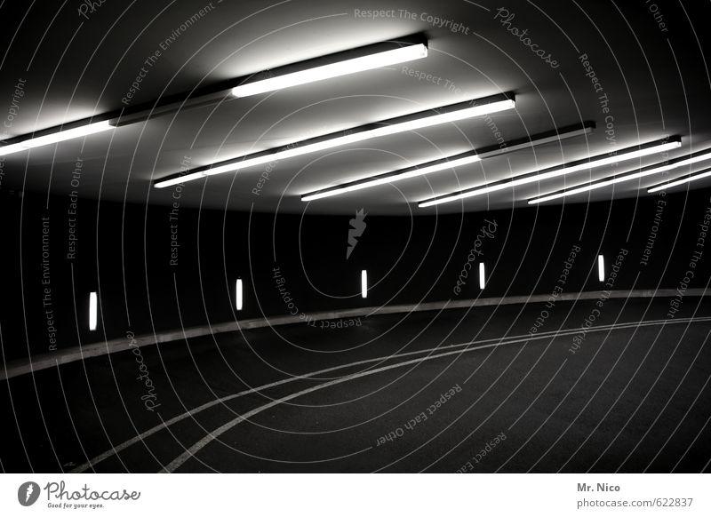 dunkelkammer Stadt Tunnel Parkhaus Bauwerk Gebäude Verkehr Wege & Pfade Neonlampe Beleuchtung Kurve Untergrund Garage parken Linie Betonbauweise