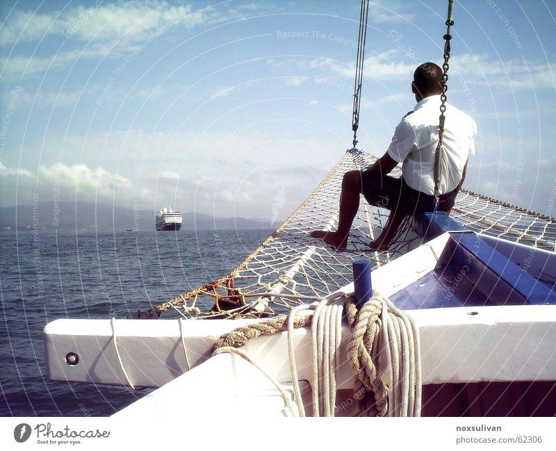 sailor peace Seemann Meer ruhig verschönern Wellen Meditation Frieden Himmel Blauer Himmel Uniform Cruiser Konzentration Sommer der Ozean zum Segel Nase segelnd