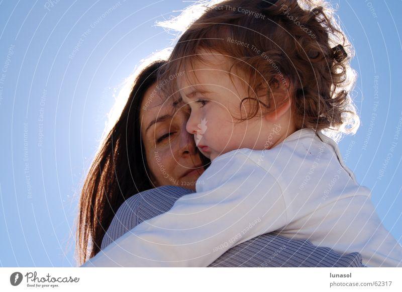 maternal hug Liebe Familie & Verwandtschaft Mensch mother toodler motherhood sunshine child little girl cuddle