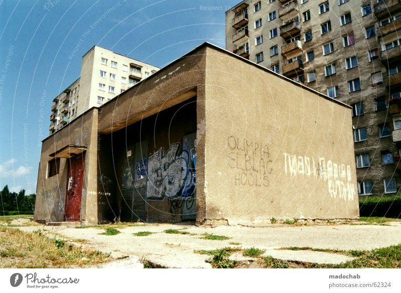 GHETTO alt Haus Leben Spielen Architektur Gebäude Raum Wohnung Angst Arme Beton Hochhaus Erfolg kaputt Perspektive trist