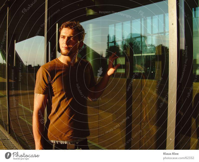 Martin Mann schön Europäer Dresden Stadt Sachsen Hose Fenster Sauberkeit rein Gebäude Gitter Haus groß stark eng kurz gerade Reflexion & Spiegelung braun dunkel