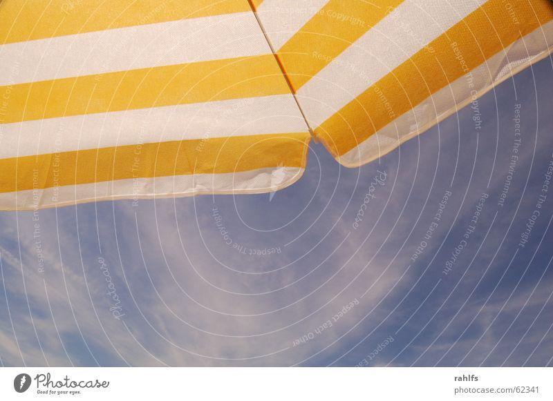 Urlaub Himmel Meer Strand Ferien & Urlaub & Reisen Wolken Streifen Sonnenschirm gestreift Cirrus