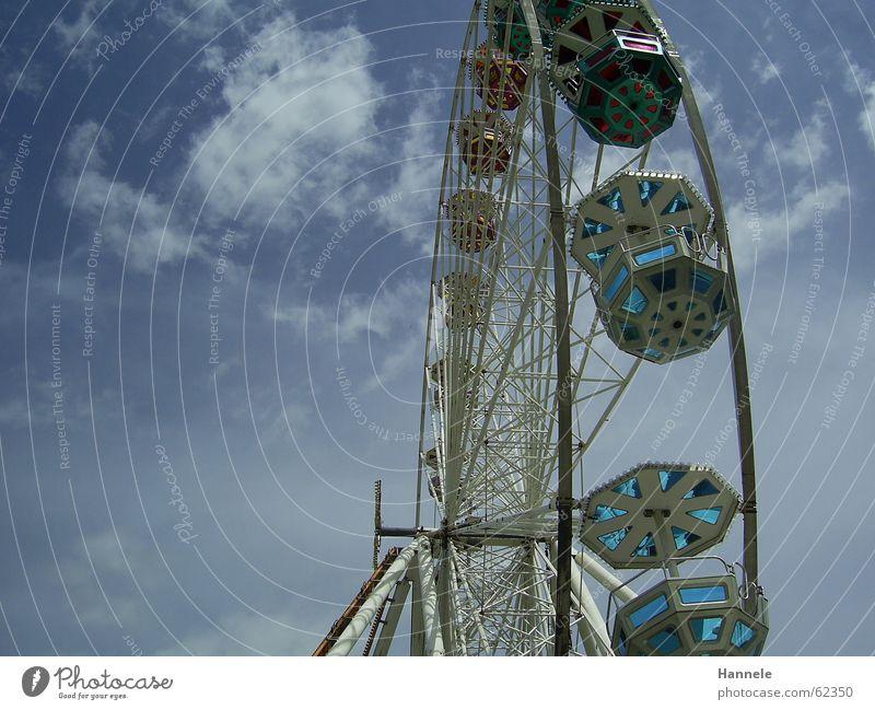 Über den Wolken... Himmel Freude Wolken Feste & Feiern Jahrmarkt Riesenrad Stadtfest