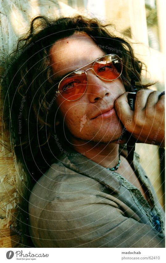POET | portrait male mann hippie festival boy traum typ single Mann Jugendliche Hand Einsamkeit ruhig Erwachsene Auge Porträt springen Denken dreckig