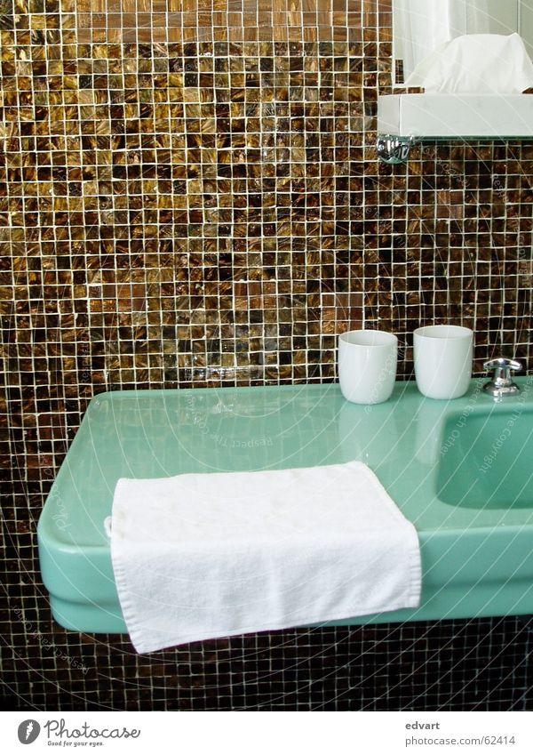 bad Fliesen u. Kacheln Sechziger Jahre Waschbecken Mosaik Zahnputzbecher