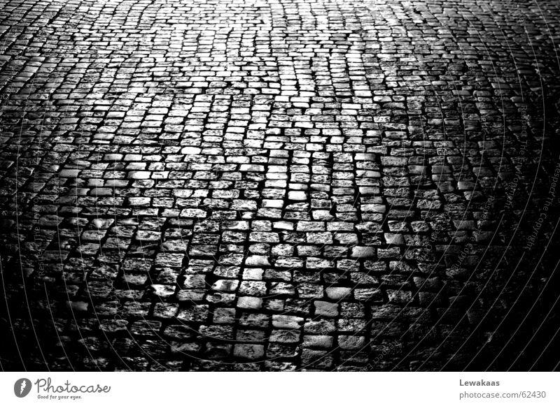 Kopfstein schön alt weiß Stadt schwarz Stein Bodenbelag Spiegel Nostalgie antik Fantasygeschichte Festung Altstadt Bayern Mittelalter
