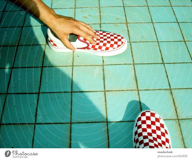 QUADRAT | schuhe pool squares türkis sommer urlaub Ferien & Urlaub & Reisen Sommer Lieferwagen Quadrat kariert Schuhe Schwimmbad rot weiß Langeweile Hand