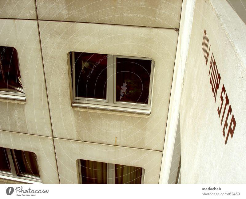 HOCH | architektur hochhaus gebäude typo schriftzug wohnheim Stadt rot Haus Leben Wand Fenster grau springen Mauer Gebäude Deutschland Raum Wohnung Beton Hochhaus