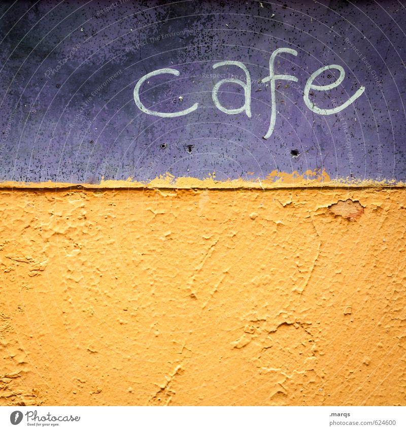 cafe Kaffee Lifestyle Mauer Wand Schriftzeichen einfach retro schön violett orange Erholung Farbe Pause Farbfoto Außenaufnahme Nahaufnahme Strukturen & Formen