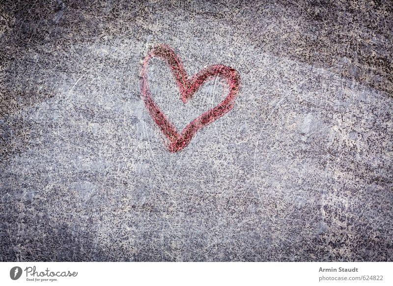 Abgeschabtes Graffiti-Herz alt rot Wand Gefühle Liebe Mauer grau Stein Hintergrundbild Fassade dreckig retro Symbole & Metaphern trashig
