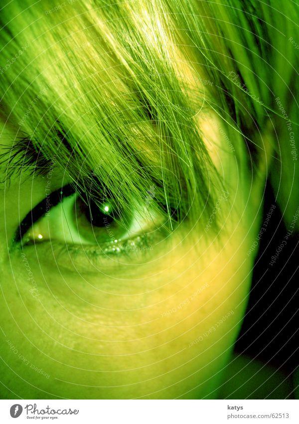 Look green schön grün Freude Gesicht schwarz Auge Ferne Farbe dunkel Gefühle braun Angst Armut Trauer rund