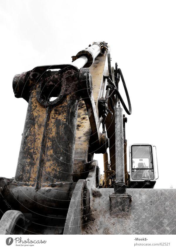 Kleiner, gelber Helfer gelb kalt Erde Technik & Technologie Baustelle Fahrzeug Eisen Bagger Schaufel Helfer