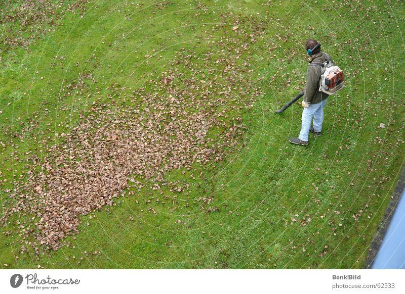 Laubsauger Herbst Blatt Arbeiter Wiese Arbeit & Erwerbstätigkeit Zeit Unendlichkeit lang Garten