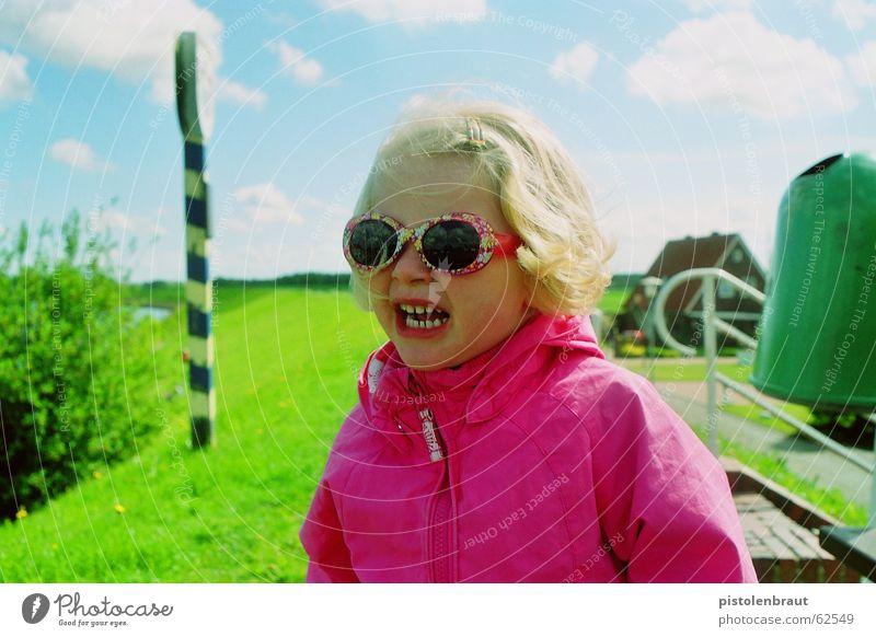 material: kind Mädchen grün blau Wolken Landschaft blond rosa Schilder & Markierungen Brille Sonnenbrille Deich 3-8 Jahre rosarote Brille