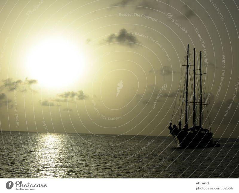sundowner Segelschiff Außenaufnahme sonnenuntergang segelschiff sehnsucht romatik
