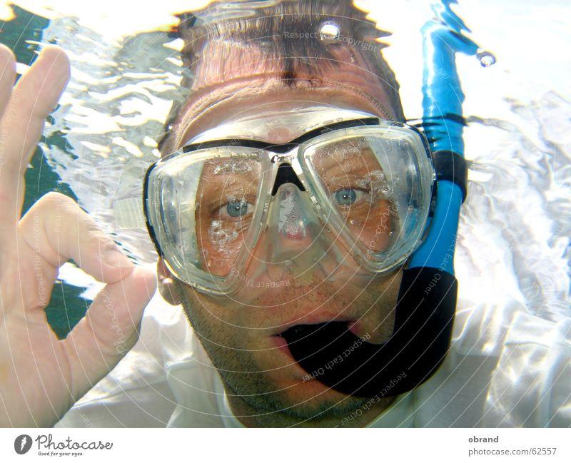 alles OK! Tauchgerät Taucherbrille gestikulieren mann mit tauchmaske Unterwasseraufnahme alles ok
