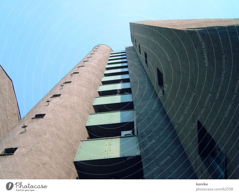 hoch hinaus Berlin Gebäude Beton Balkon