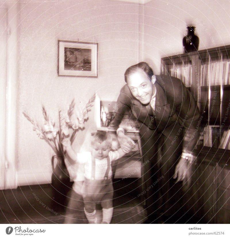 pc-style in den 50ern / mein 1ter Geburtstag Kind Glück Jubiläum Vater Familie & Verwandtschaft Geborgenheit Sohn Mittelformat Fünfziger Jahre