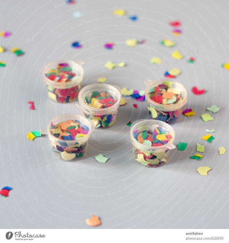 Party of five Freude grau Glück natürlich Feste & Feiern Stimmung Dekoration & Verzierung stehen Geburtstag verrückt ästhetisch Fröhlichkeit Lebensfreude