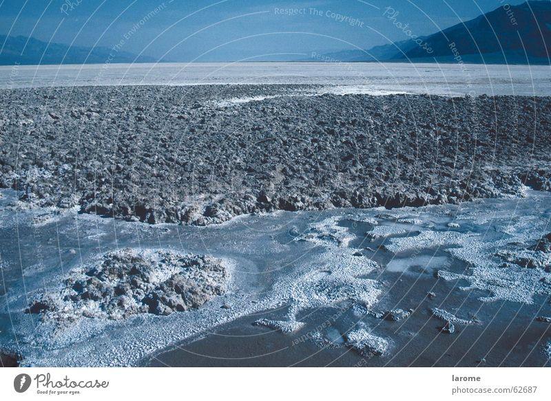 salzsee Death Valley National Park unfruchtbar Salzsee Ödland USA Ferne Wüste lebensfeindlich blau