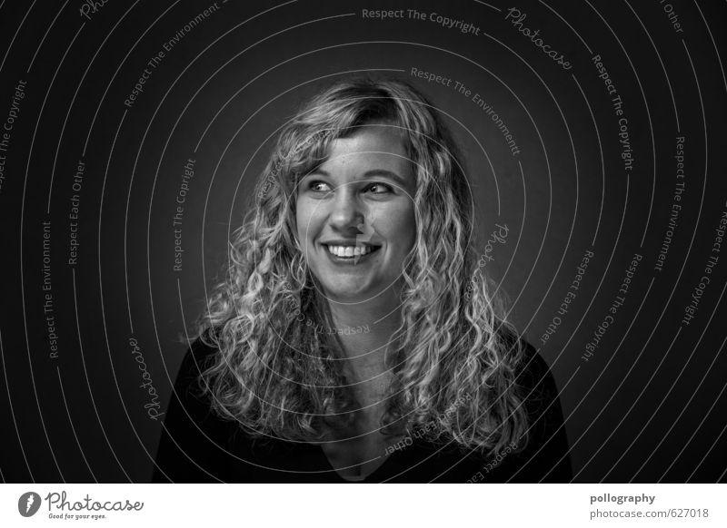 be proud of yourself (19) Mensch Frau Jugendliche Junge Frau Freude 18-30 Jahre Erwachsene Leben Gefühle feminin Haare & Frisuren lachen Glück Stimmung Körper