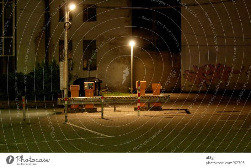 hoppers friends Nacht Bühne Straßenbeleuchtung Parkplatz Denken kassenautomat leer