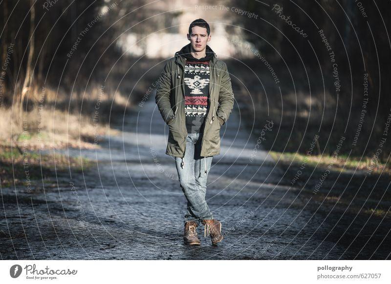Kristof (3) Mensch maskulin Junger Mann Jugendliche Erwachsene Leben Körper 1 18-30 Jahre Mode Bekleidung Jeanshose Pullover Jacke Mantel Schuhe Gefühle