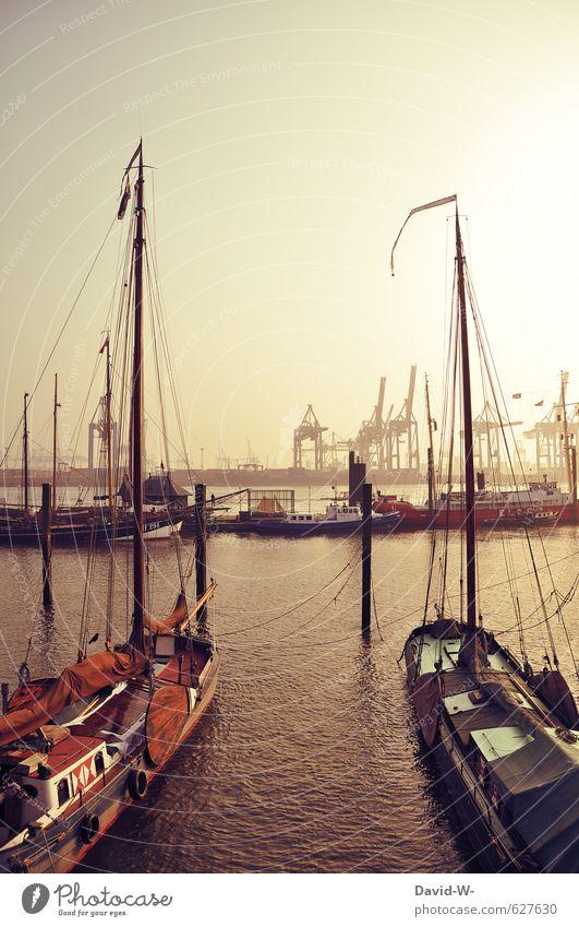 Auf zu neuen Ufern Ferien & Urlaub & Reisen Wasser ruhig Ferne gelb Glück Horizont Stimmung Tourismus Ausflug Abenteuer Hafen Wolkenloser Himmel Schifffahrt