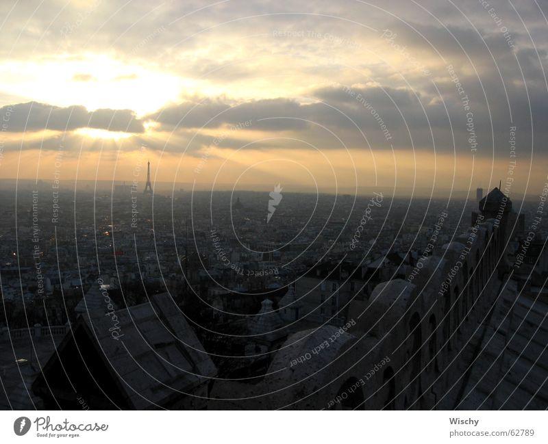 Sonnenuntergang über Paris Horizont