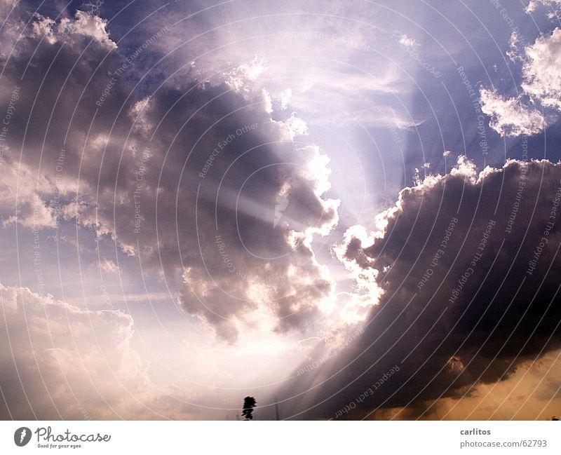 Götterdämmerung Himmel Sonne Wolken dunkel Beleuchtung Treppe bedrohlich dramatisch aufreißen drohend