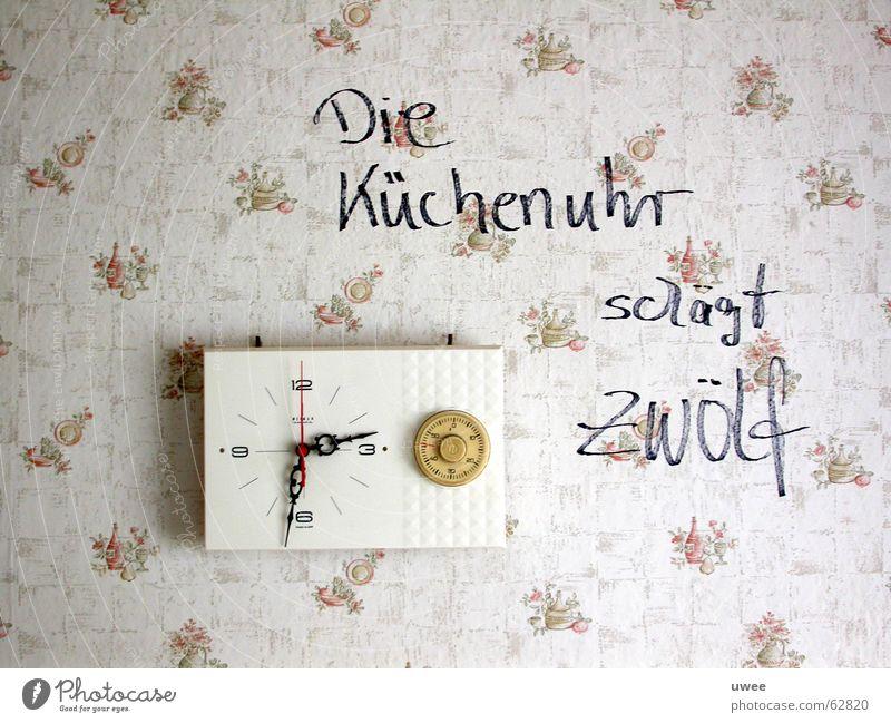 Die Küchenuhr schlägt Zwölf Wand Uhr Tapete Text 12 Mitteilung Uhrenzeiger Installationen