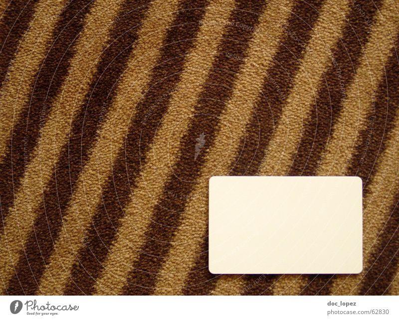 copytextplatz weiß braun Raum Platz Bodenbelag Ende Streifen Hotel Postkarte diagonal Teppich graphisch Text gestreift selbstgemacht