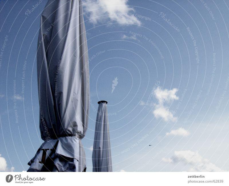Sonne Sonnenschirm Terrasse Wolken Hubschrauber Ferien & Urlaub & Reisen Meer Sassnitz Rügen Regen Himmel blau Außenaufnahme