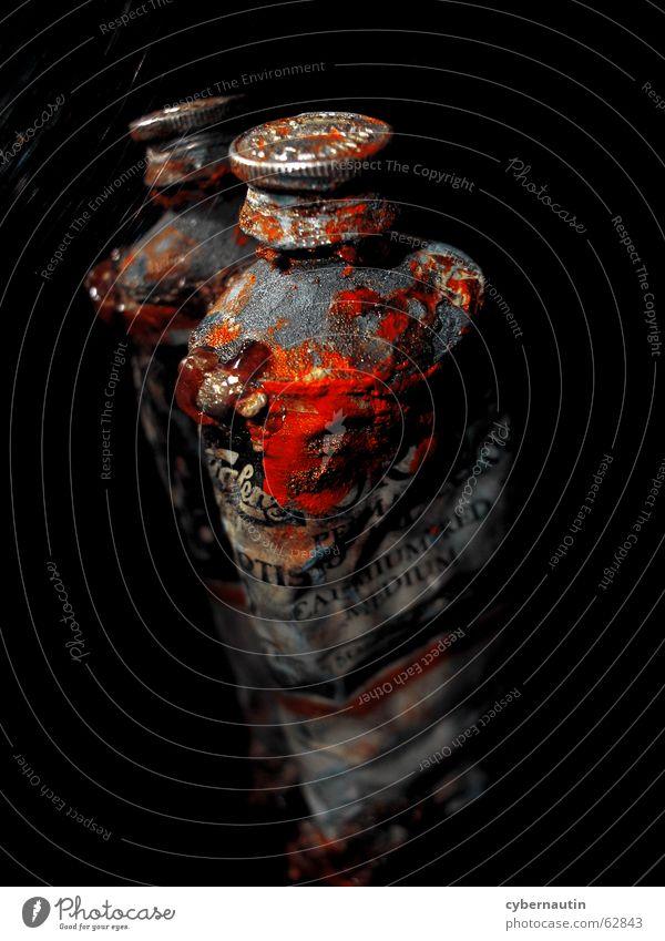 eitles Rot rot Farbe Kunst Spiegel streichen Gemälde London Underground Ölfarbe