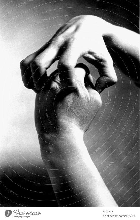 Kampf Hand Angst bedrohlich Gewalt Schmerz kämpfen Verschiedenheit Krallen Angriff brutal