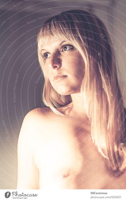 Nackt Mensch Frau Jugendliche schön Einsamkeit Junge Frau Weiblicher Akt ruhig 18-30 Jahre Erotik gelb Gesicht Erwachsene Glück Gesundheit Körper