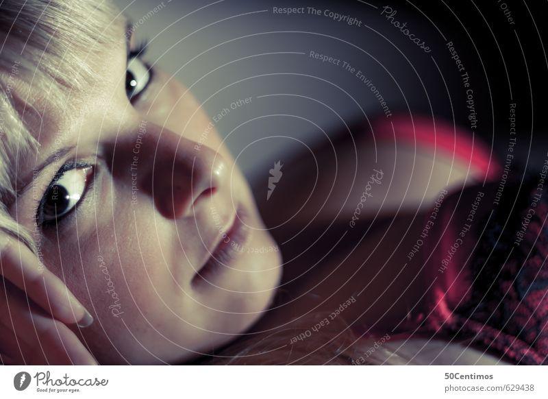 Sexy Blondine Lifestyle elegant Stil Design schön Körperpflege Haut Gesicht Kosmetik Schminke Gesundheit Wellness Zufriedenheit Sinnesorgane Junge Frau