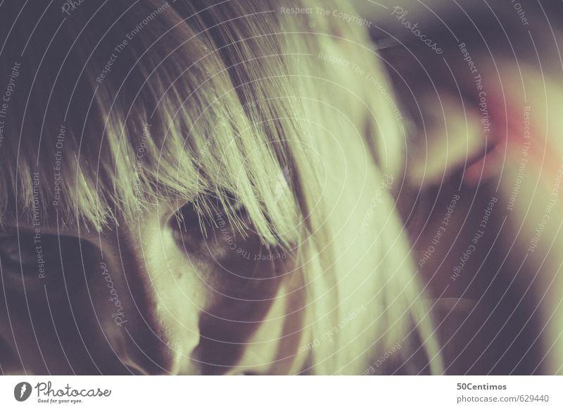 Wilde Blondheit Lifestyle Stil Zufriedenheit Erholung Nachtleben Entertainment Junge Frau Jugendliche Kopf Gesicht 1 Mensch Haare & Frisuren blond Erotik
