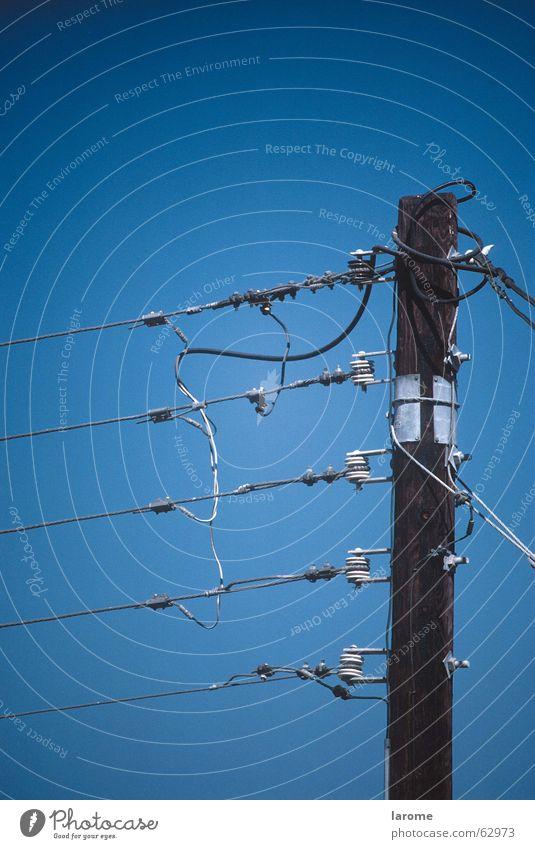 strom Energiewirtschaft Kabel Strommast Leitung Isolatoren